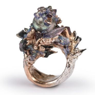 Maud Traon, The Flute Pearl Ring, Tomfoolery